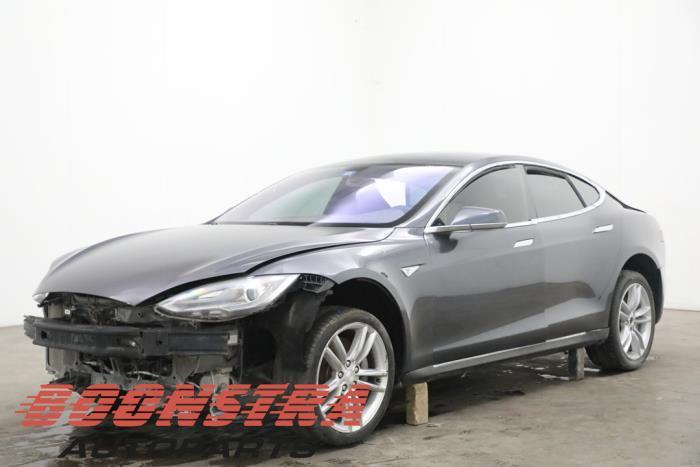 Tesla Model S 60 2013-11 / 0-00
