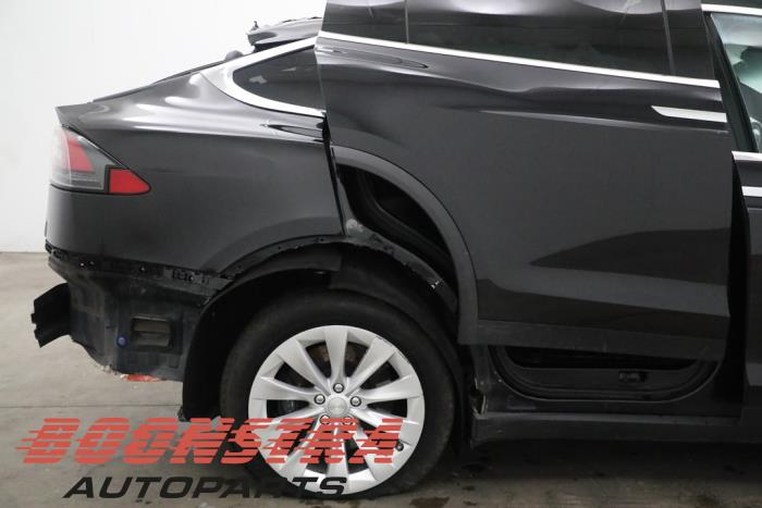 Tesla Model X, SUV, 2013<br><small>90D, SUV, Elektrisch, 386kW (525pk), 4x4, L2S, 2015-09</small>