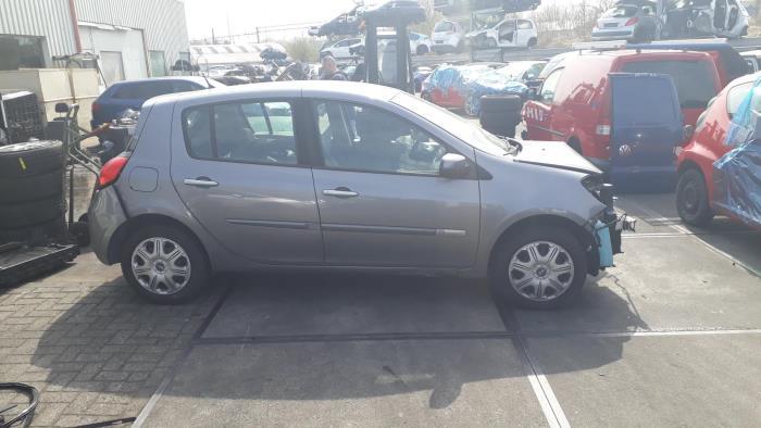 Renault Clio - 3524321