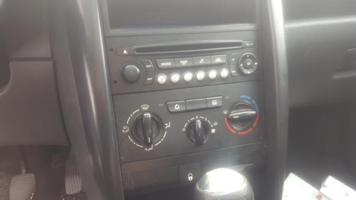 Peugeot 207 - V500