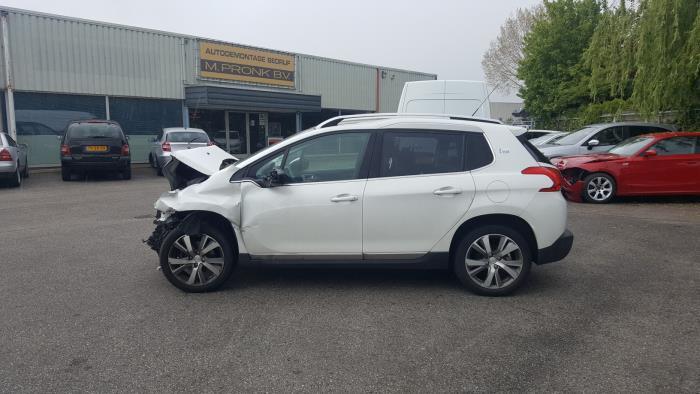 Peugeot 2008 - 4492845