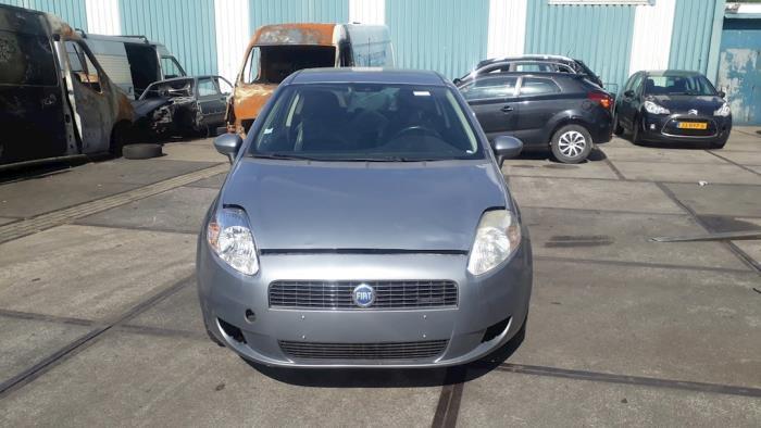 Fiat Punto Grande - V10188