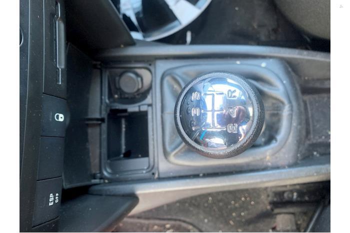 Peugeot 207 - V10337