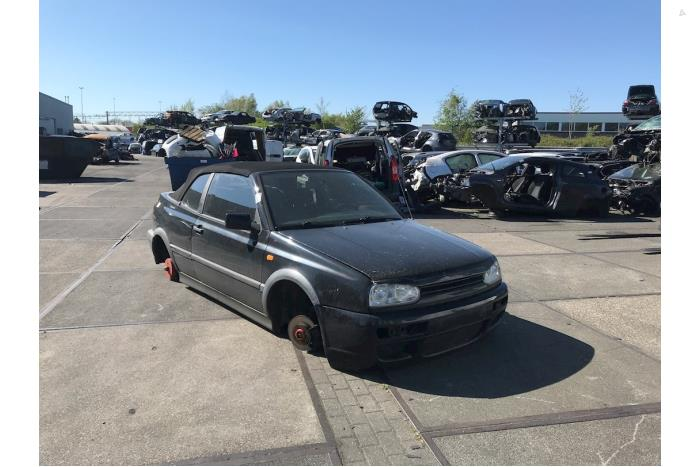 Volkswagen Golf - 5679651