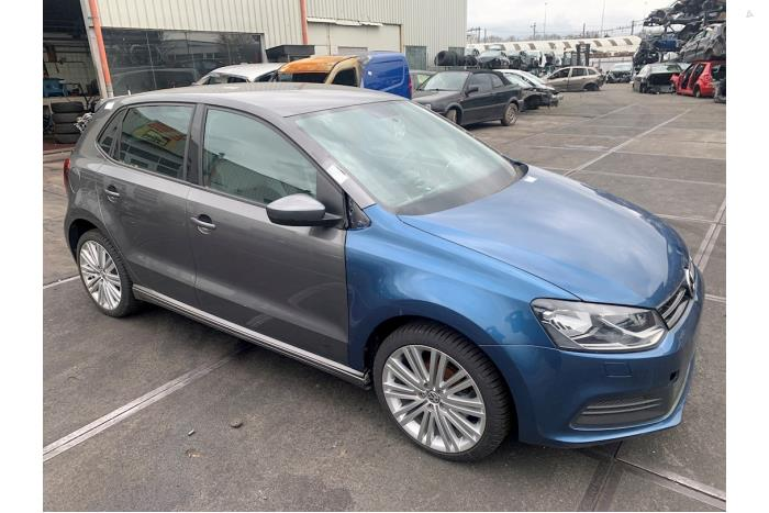 Volkswagen Polo - 5690690