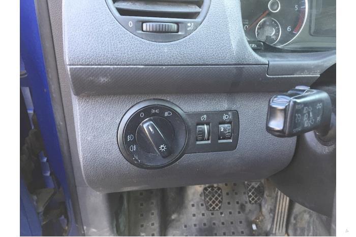 Volkswagen Caddy - V10409