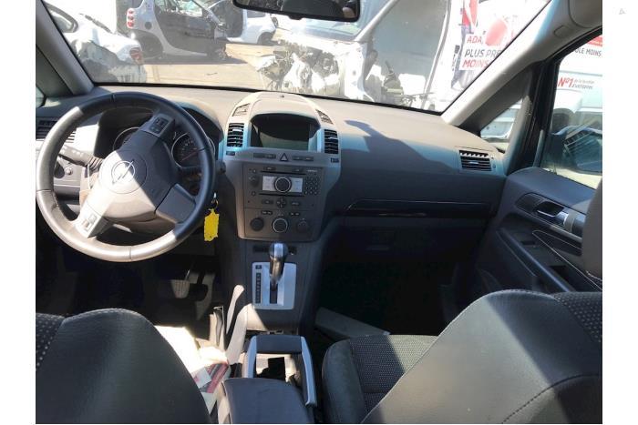 Opel Zafira - V10416