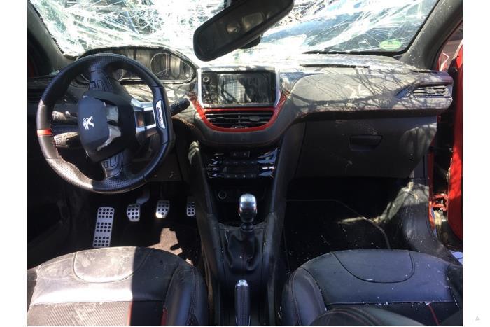 Peugeot 208 - V10458
