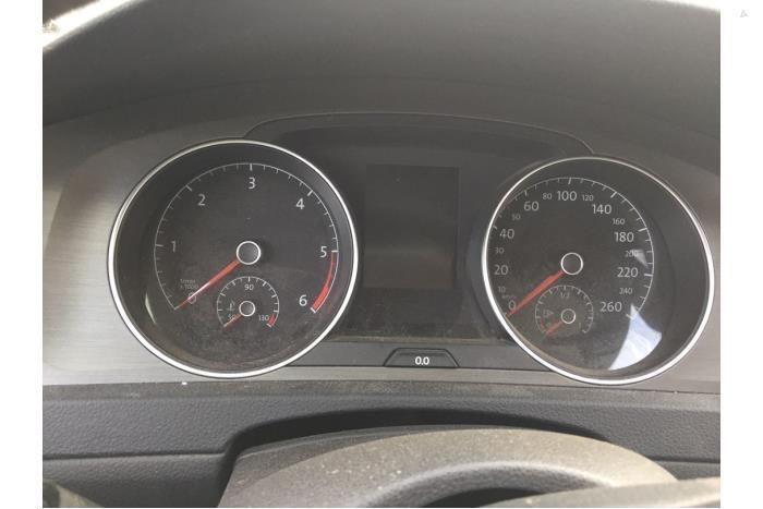 Volkswagen Golf - V10468
