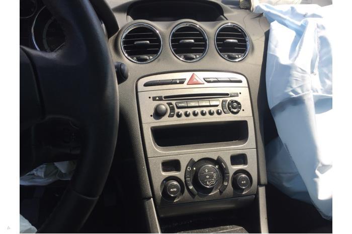 Peugeot 308 - V10480