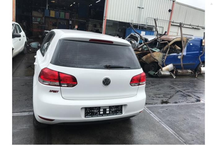 Volkswagen Golf - V10492