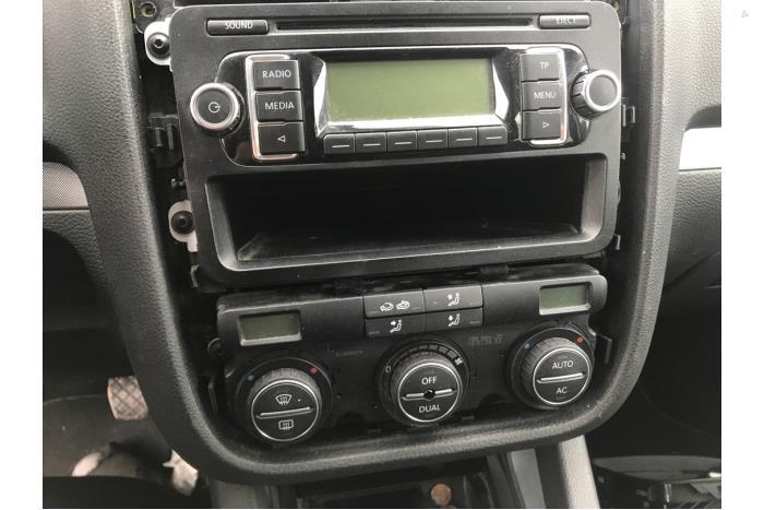 Volkswagen Golf - V10519
