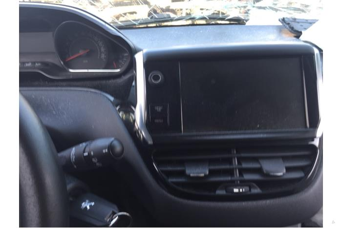 Peugeot 208 - V10531
