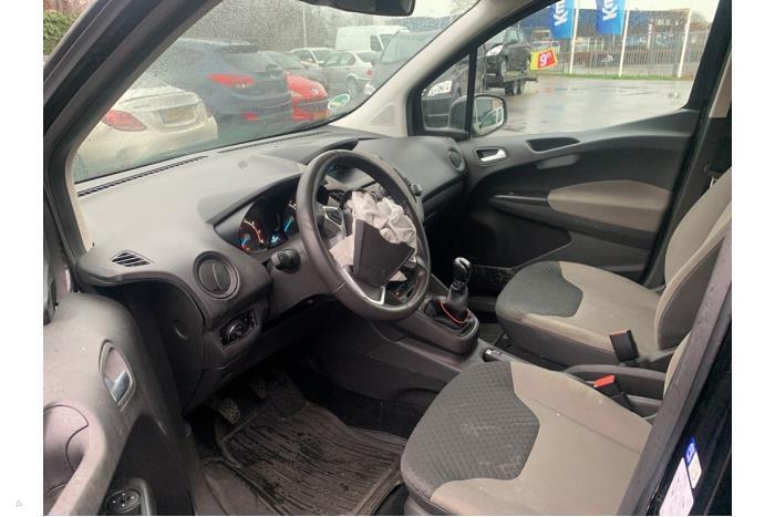 Ford Tourneo Courier - V10622
