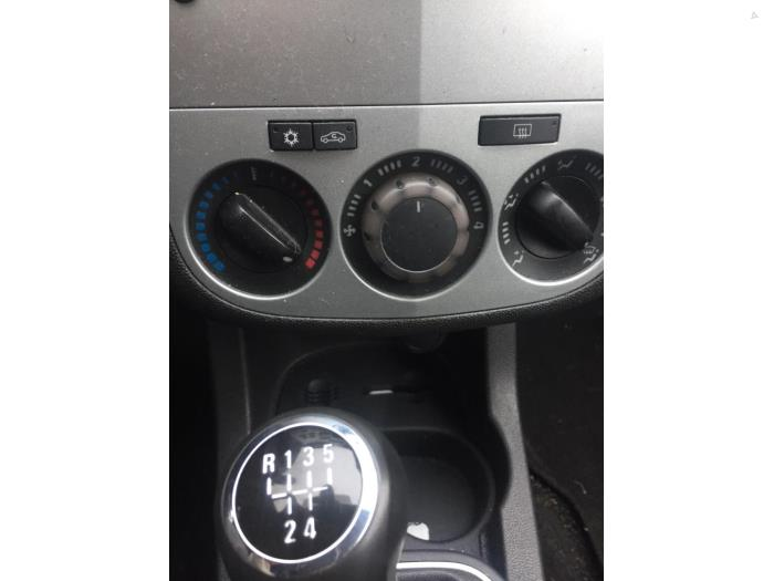 Opel Corsa - V10632