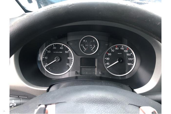 Peugeot Partner - V10658