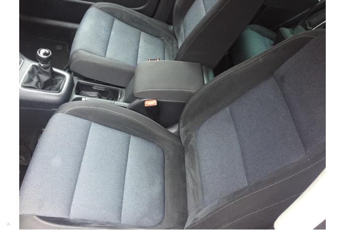 Volkswagen Golf Plus - V10686