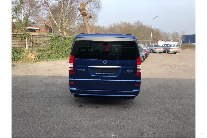 Mercedes Viano - V10704