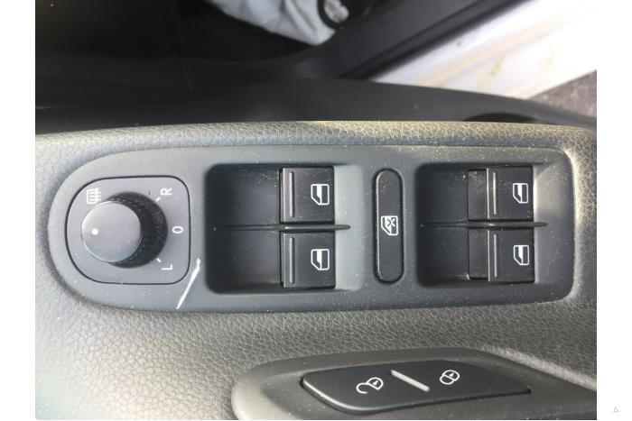 Volkswagen Golf - V10734