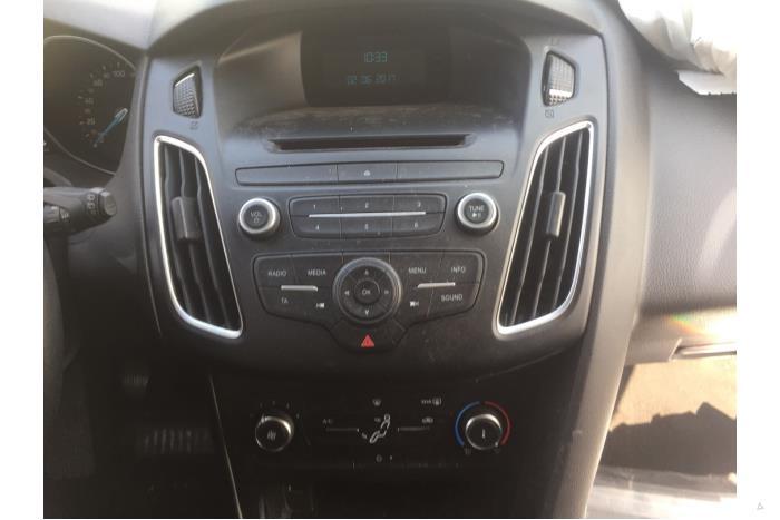Ford Focus - V10735