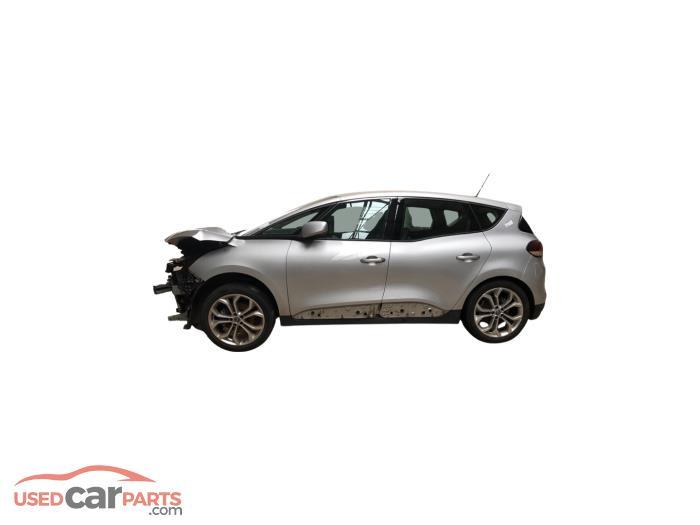 Renault Scenic - V10747