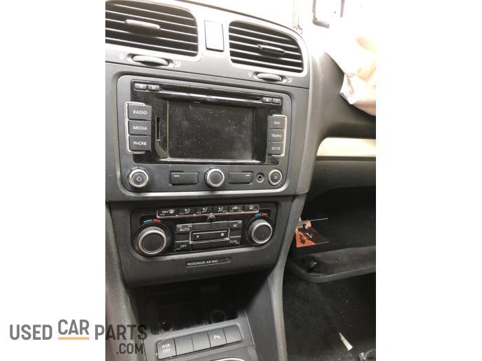 Volkswagen Golf - V10770
