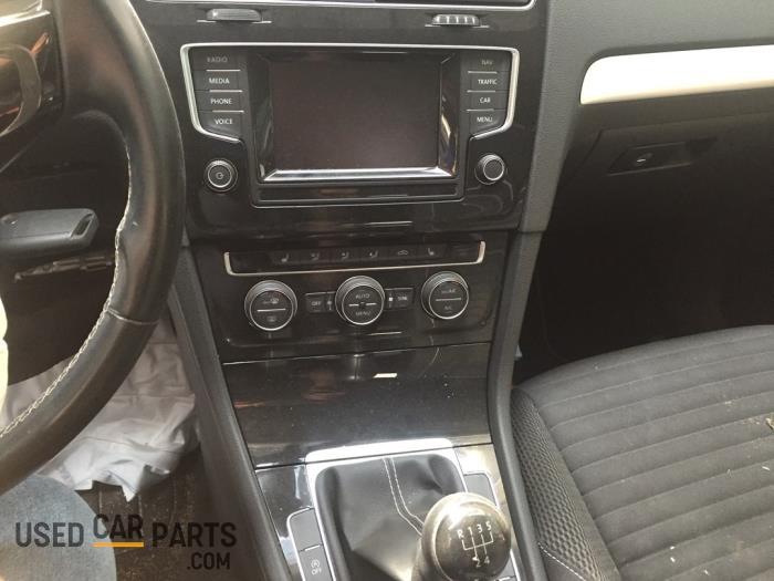 Volkswagen Golf - V10792