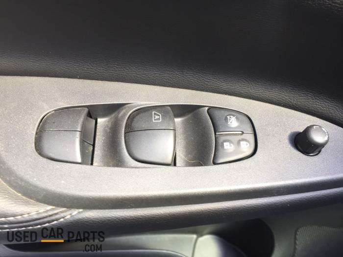 Nissan Pulsar - V10806