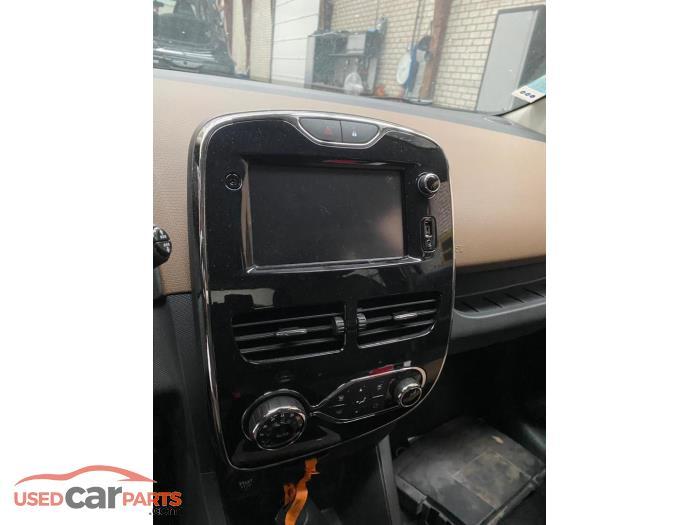 Renault Clio - V10820