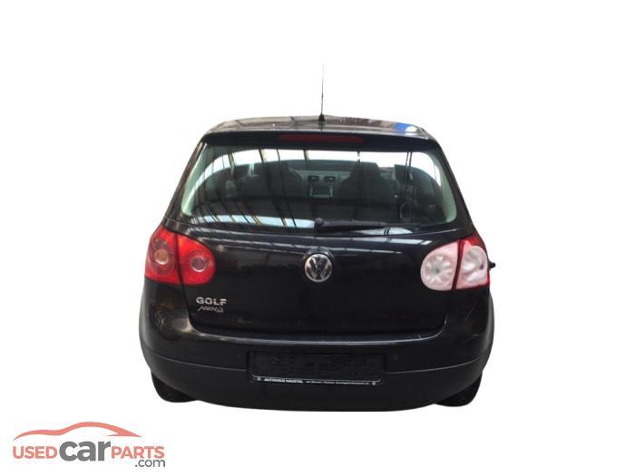 Volkswagen Golf - V10874