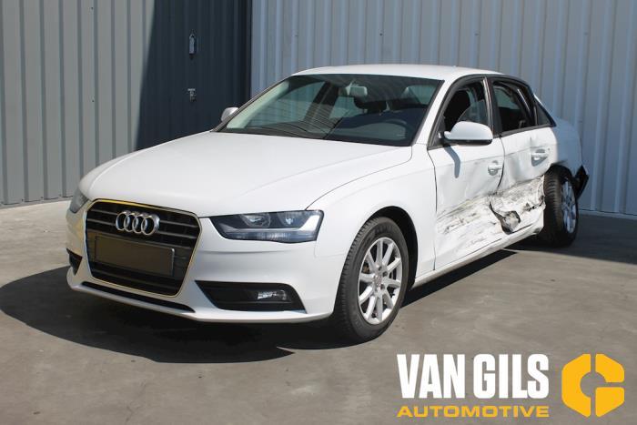 Audi A4 2013  CJC 3