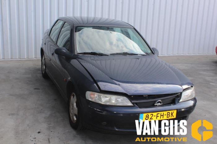 Opel Vectra 2000  X18XE1 4
