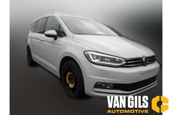 Volkswagen Touran 2017  DFHA 3
