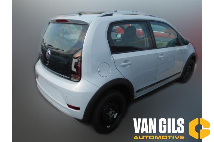 Volkswagen UP 11- 2016  CHYB 4
