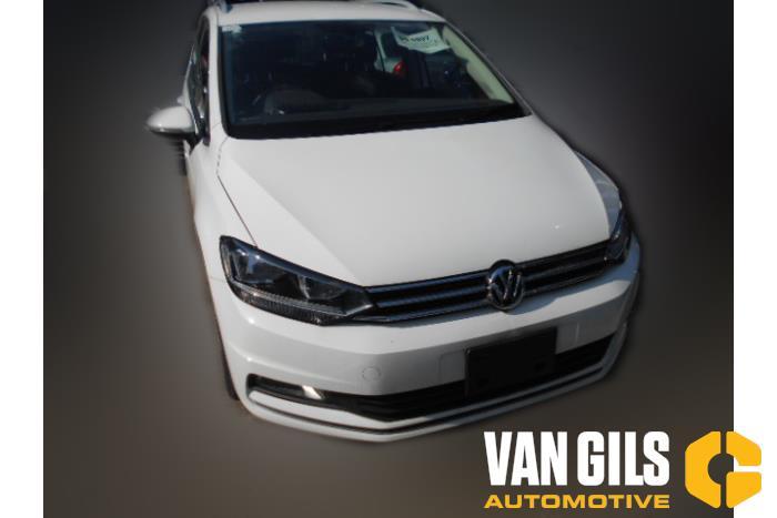 Volkswagen Touran 2017  DFGA 3