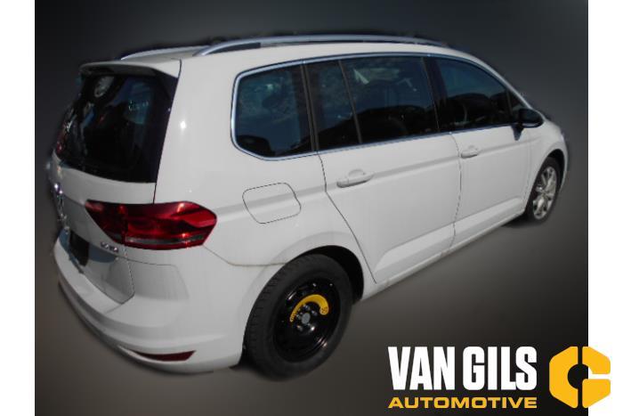 Volkswagen Touran 2017  DFGA 4