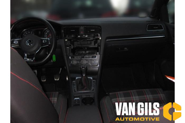 AUX / USB connection for Volkswagen Golf 5G0035222D