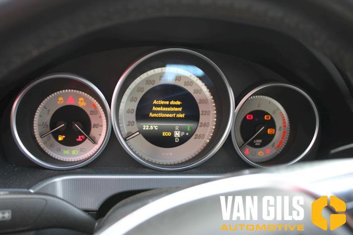 Mercedes E-Klasse 2014  642852 19