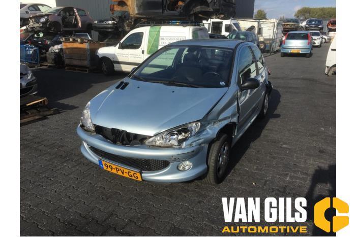 Peugeot 206 2004  KFU 7