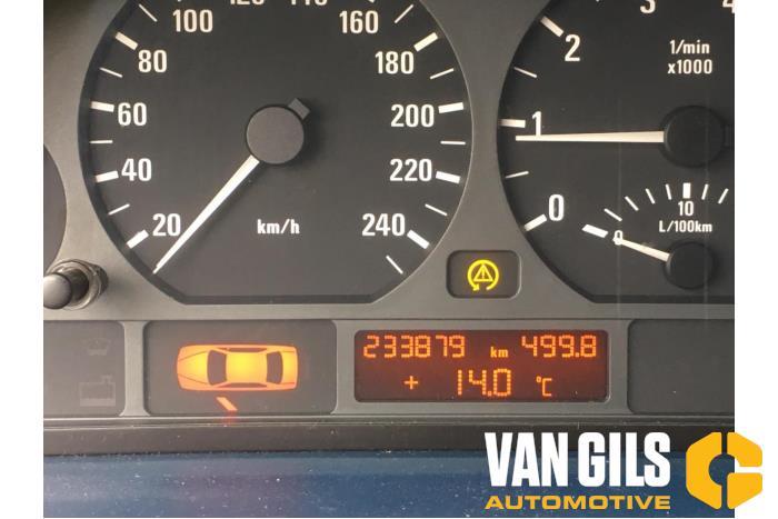 BMW 3-Serie 2001  256S5 17