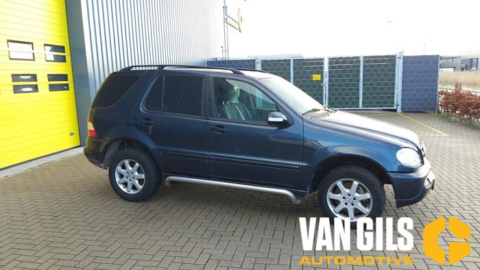 Mercedes ML-Klasse 2003  612963 16
