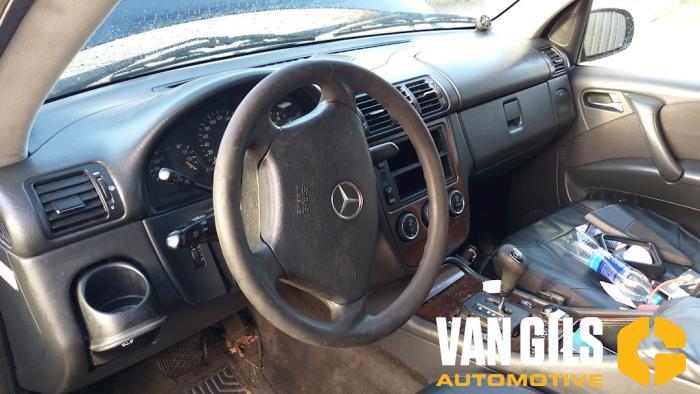 Mercedes ML-Klasse 2003  612963 8
