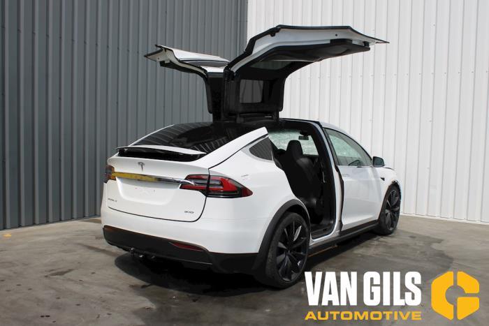 Tesla Model X 2017  L2S 9