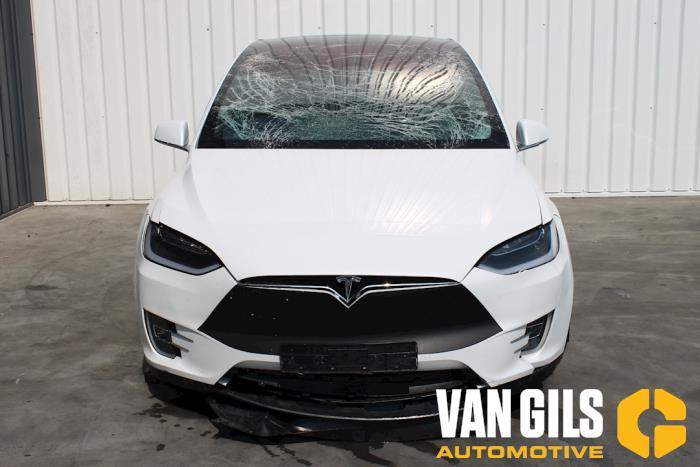 Tesla Model X 2017  L2S 1