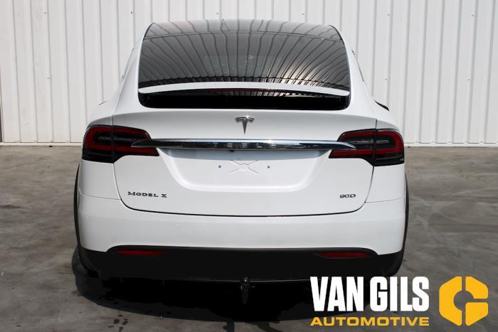 Tesla Model X 2017  L2S 4
