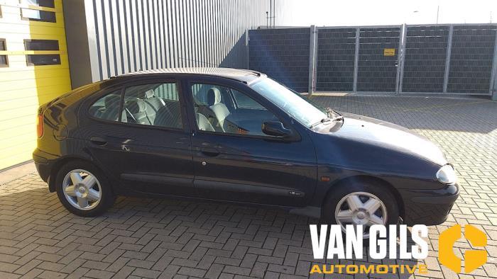 Renault Megane 2000  K4MB7 1