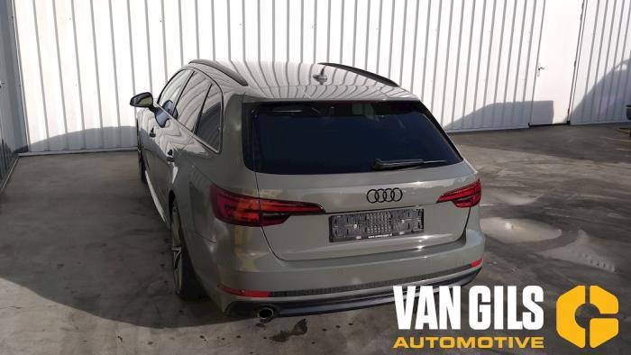 Audi A4 15- 2017  CVNA 11