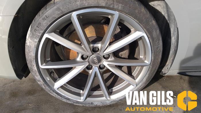 Audi A4 15- 2017  CVNA 10