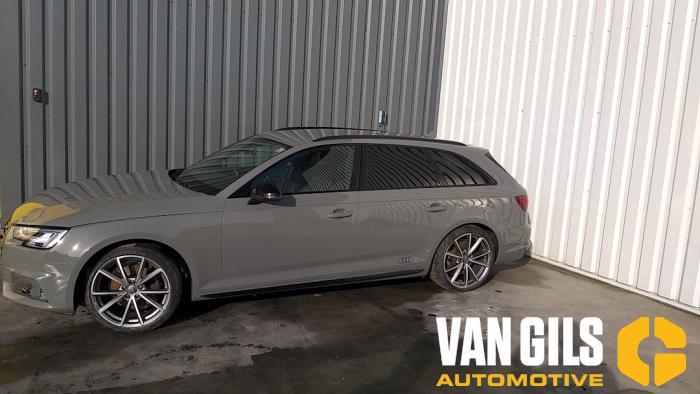Audi A4 15- 2017  CVNA 6
