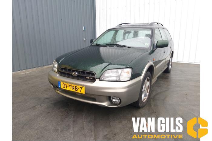 Subaru Legacy 2001  4